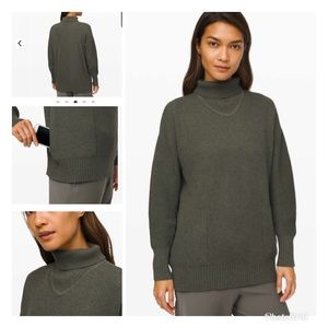 Lululemon Cozy Calling Turtleneck XS NEW